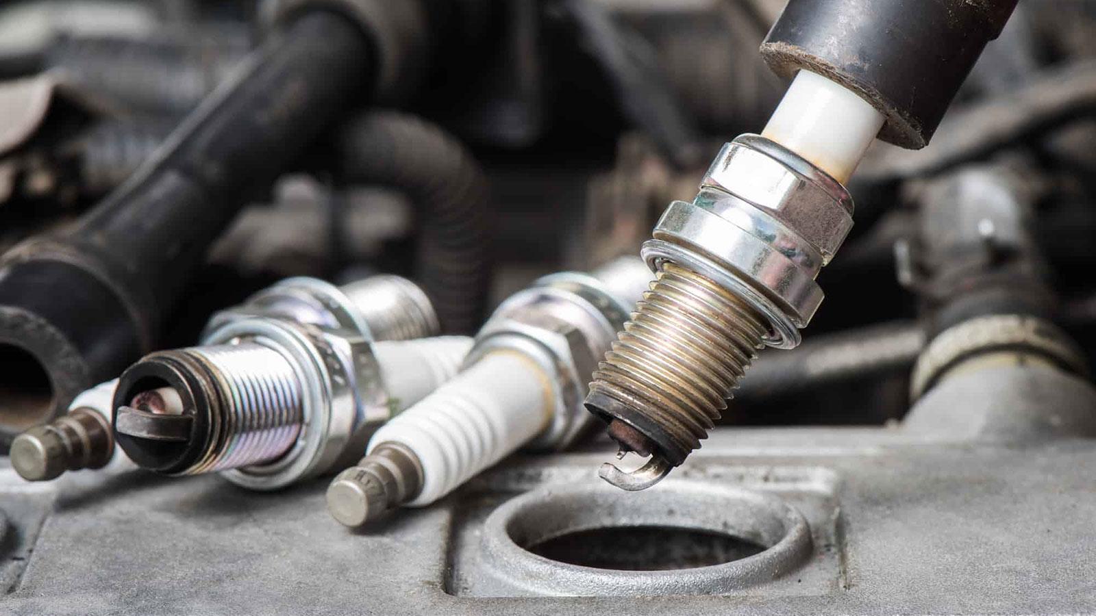 Как очистить свечи зажигания автомобиля?